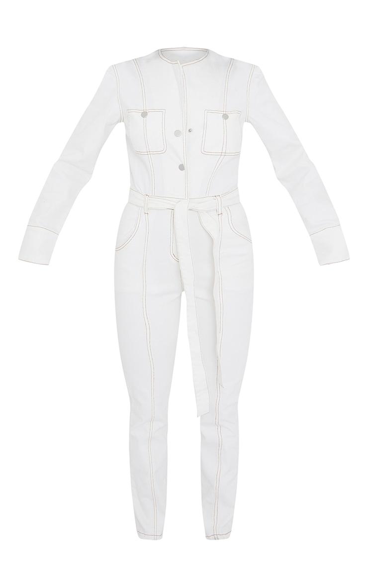 Combinaison en jean écru à ceinture et coutures contrastantes 5