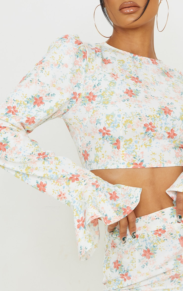 Light Pink Floral Printed Woven Flared Hem Sleeve Crop Top 4
