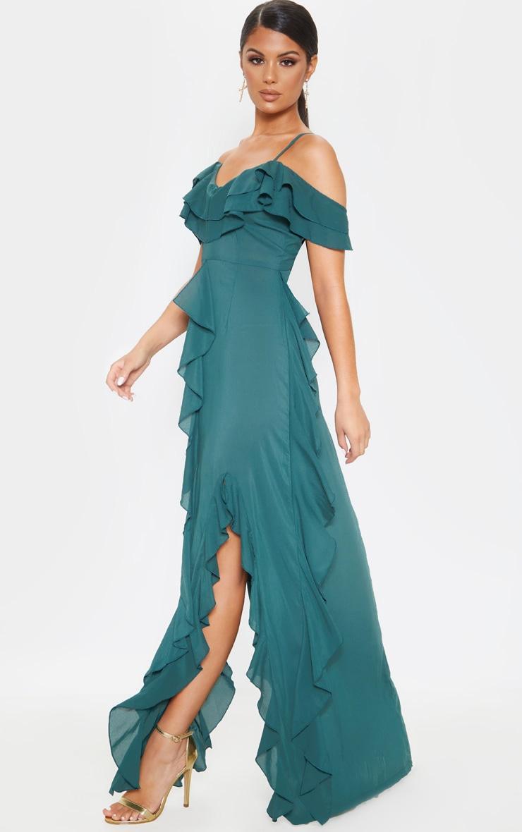 Robe longue vert jade volantée qui dénude les épaules 1