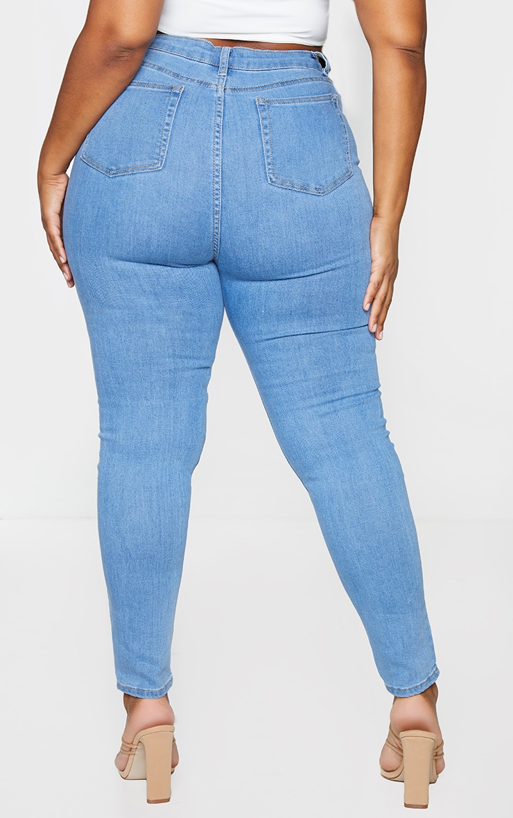 PRETTYLITTLETHING Plus Light Wash 5 Pocket Skinny Jeans 3