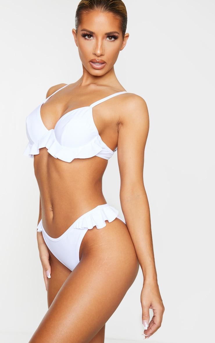 Bas de bikini blanc à ourlet volanté 2