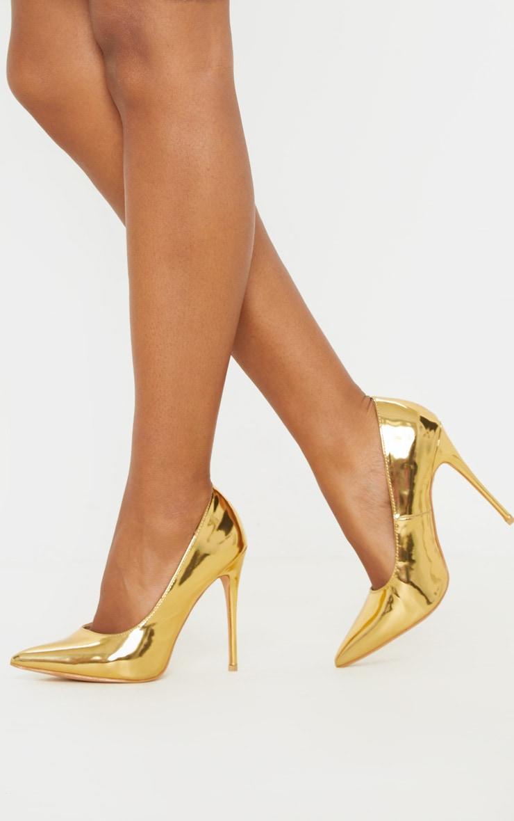 Gold Court Shoes 1