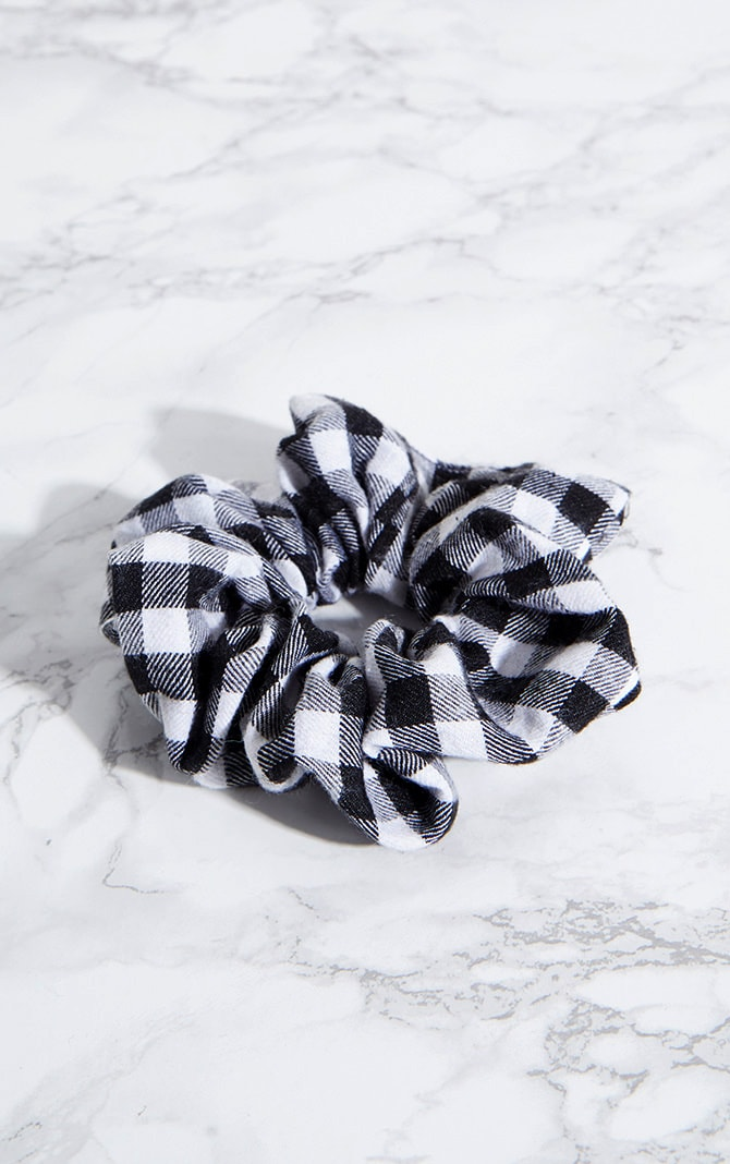 Black Gingham Scrunchie 2
