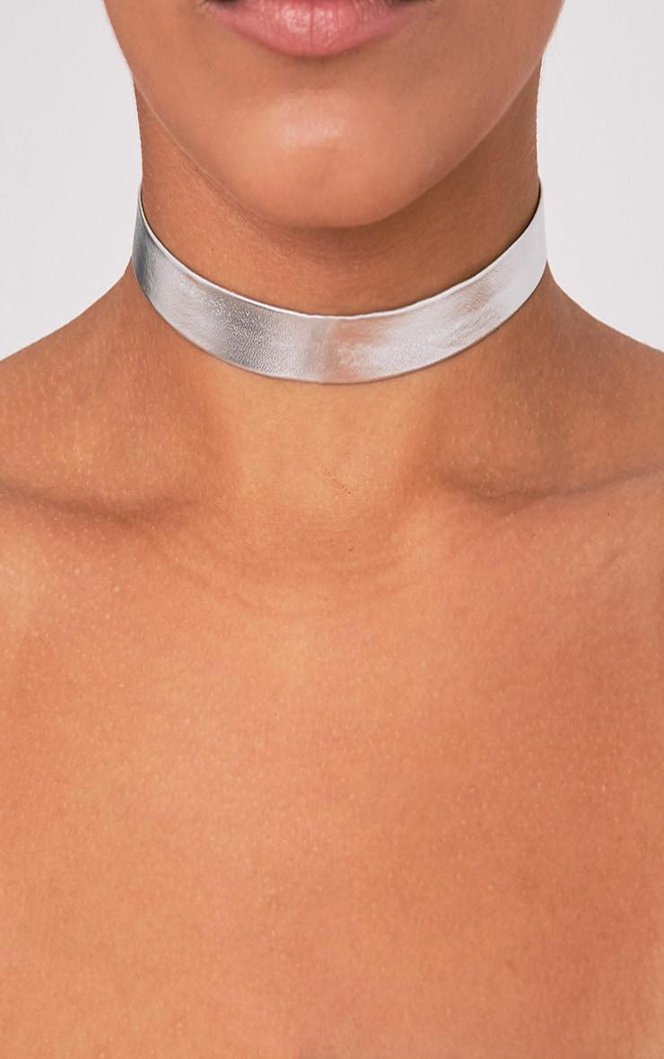 Florie Silver Metallic Choker 2