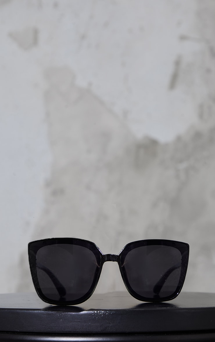 Black Oversized Flat Framed Cat Eye Sunglasses 2