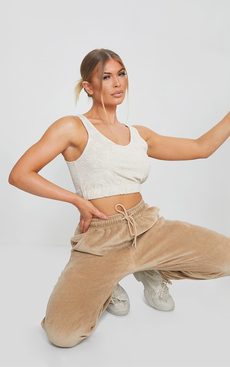 PRETTYLITTLETHING Stone Embossed Towelling Elasticated Crop Top 3