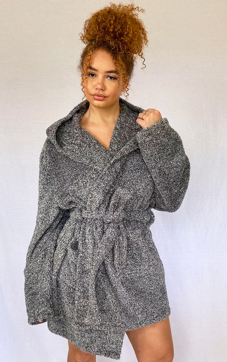 PRETTYLITTLETHING Plus Charcoal Fluffy Dressing Gown 2