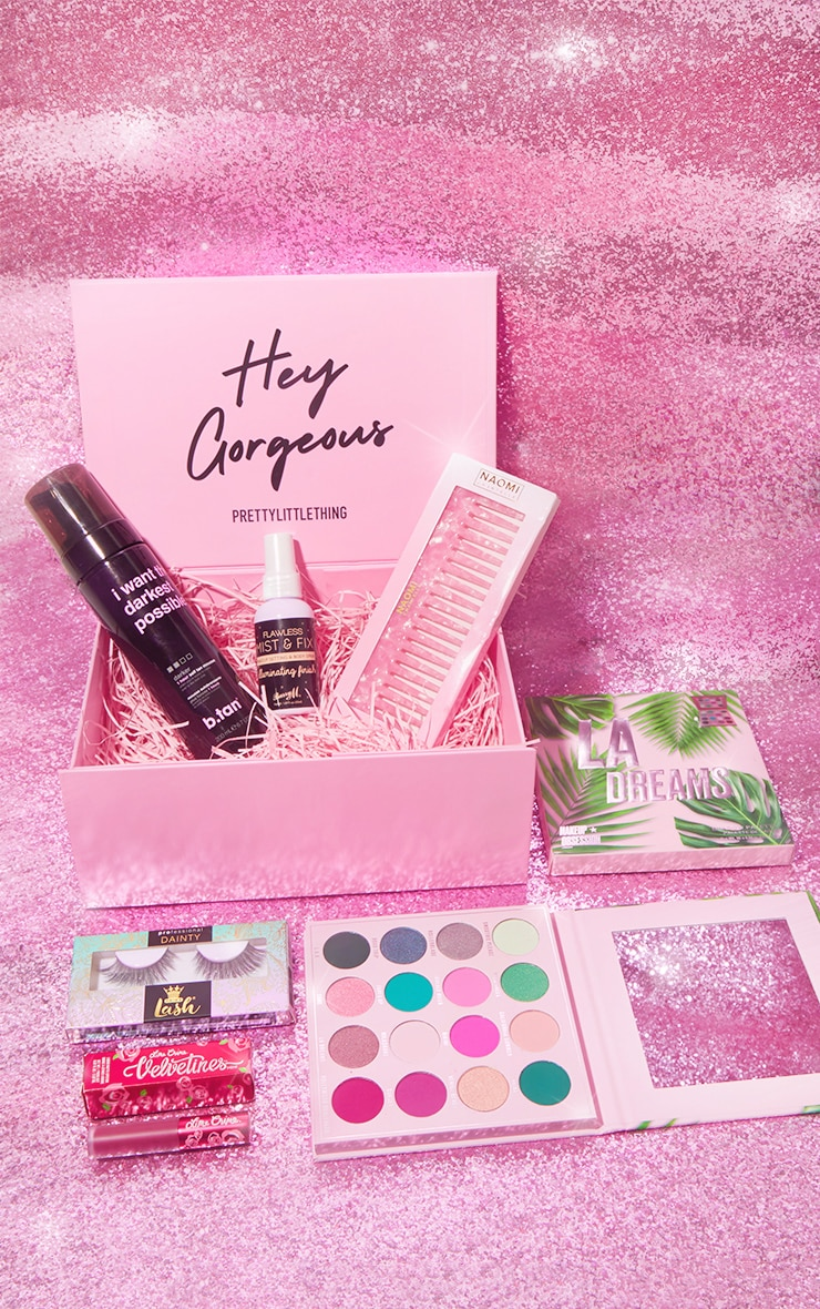 PRETTYLITTLETHING Party Fever Beauty Box (Worth £57.00) 2
