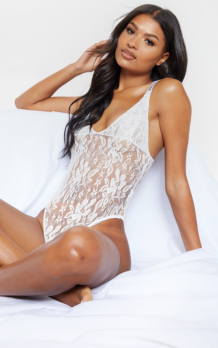 PRETTYLITTLETHING White Lace Body 1
