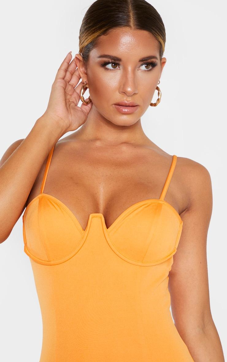 Robe moulante orange à bretelles fines et armatures  6