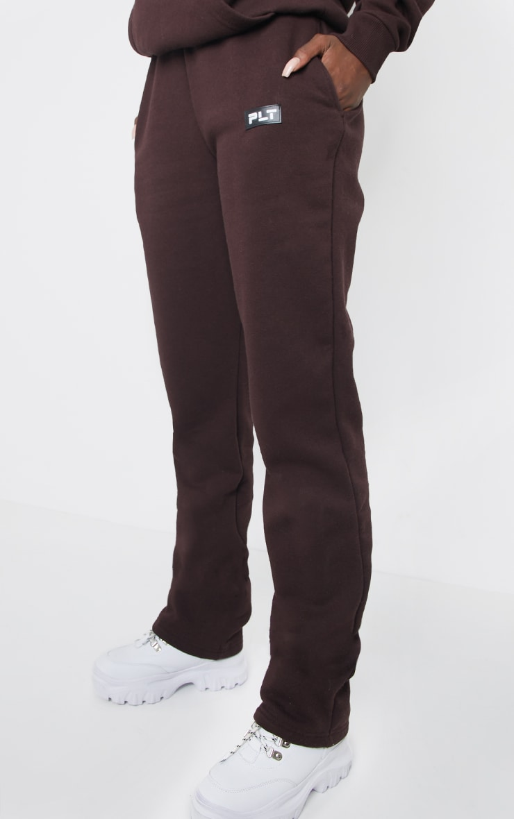 PRETTYLITTLETHING Tall Chocolate Badge Detail Straight Leg Joggers 2
