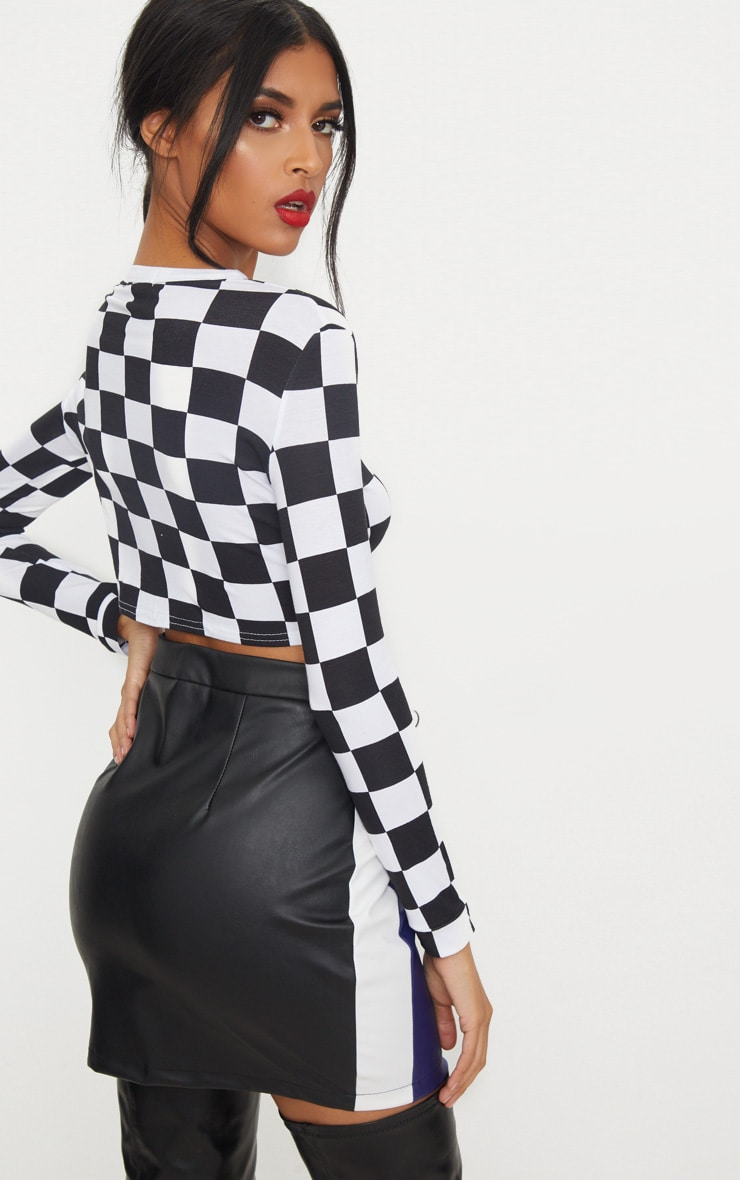Monochrome Checkerboard Grid Check Long Sleeve Crop Top 2