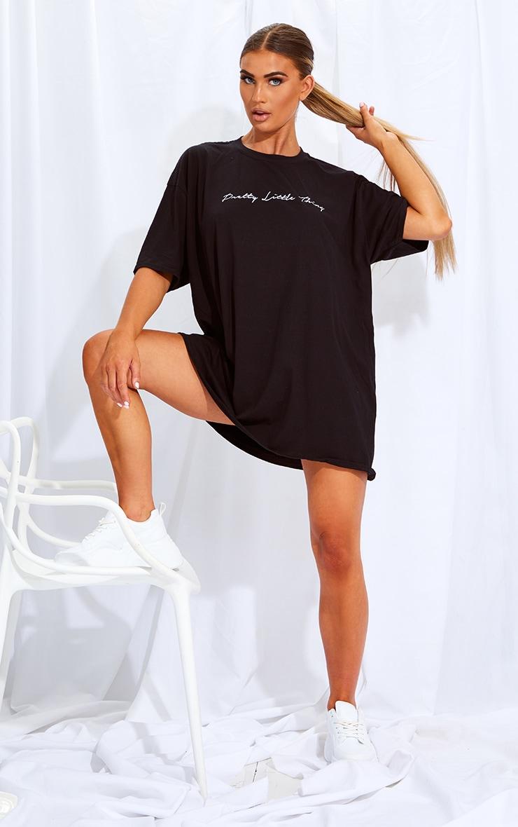 PRETTYLITTLETHING Black & White 2 Pack Slogan T Shirt Dresses 4
