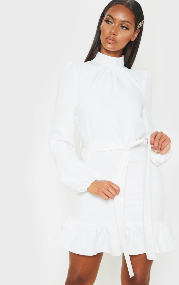Robe blouse blanche manches longues et col haut prettylittlething fr - Adresse mail reclamation blanche porte ...