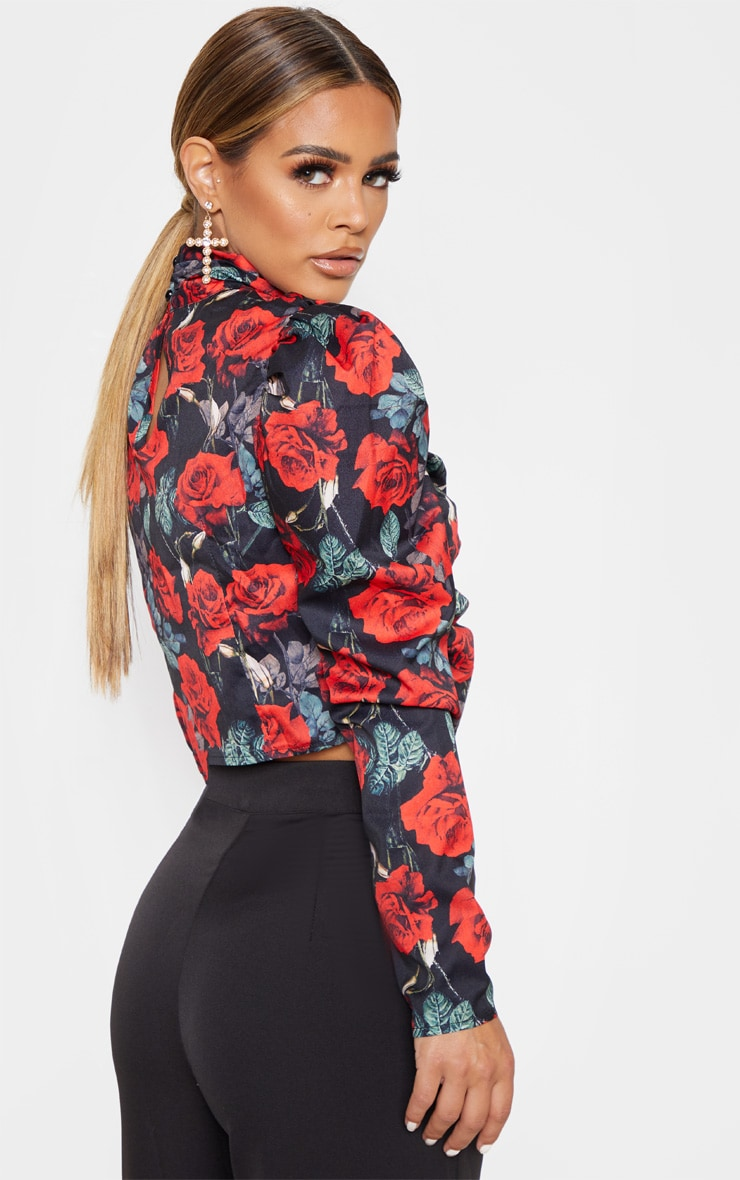 Petite Black Floral Ruched Detail Cropped Blouse 2