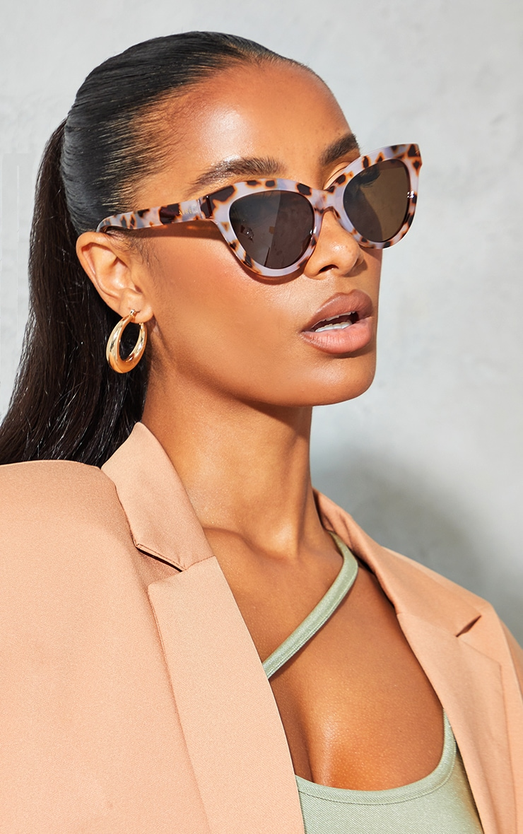 AIRE Tort Gravity Large Cateye Sunglasses 1