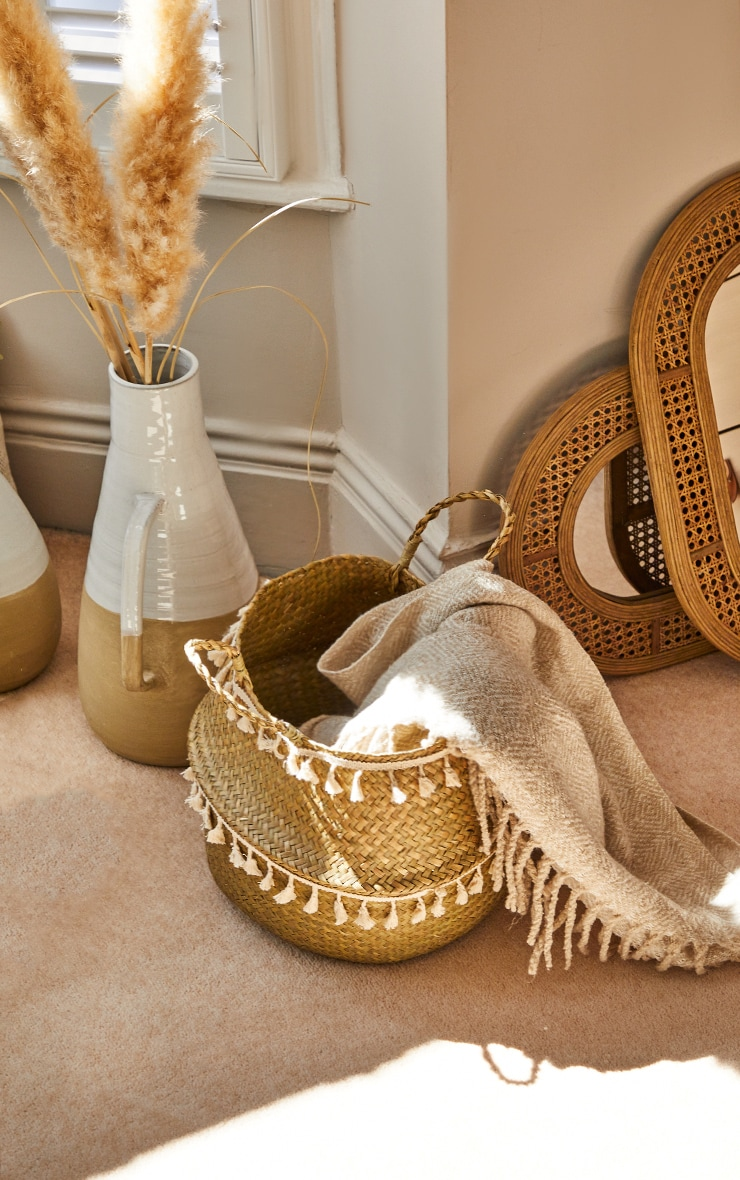 Woven Seagrass Tassel Basket 1