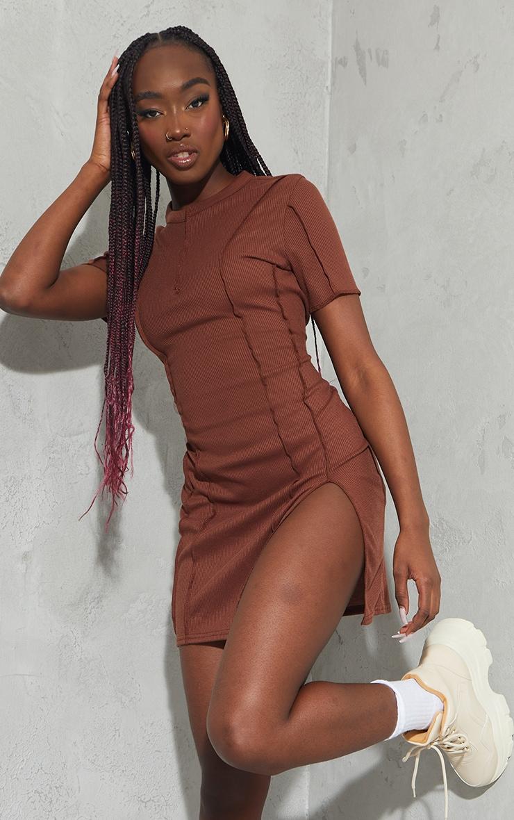 Chocolate Ribbed Overlock Seam Split Hem Short Sleeve Bodycon Dress 1
