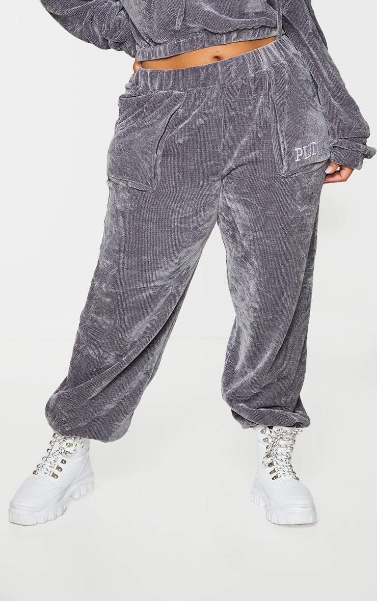 PRETTYLITTLETHING Plus Charcoal Rib Velour Joggers 2