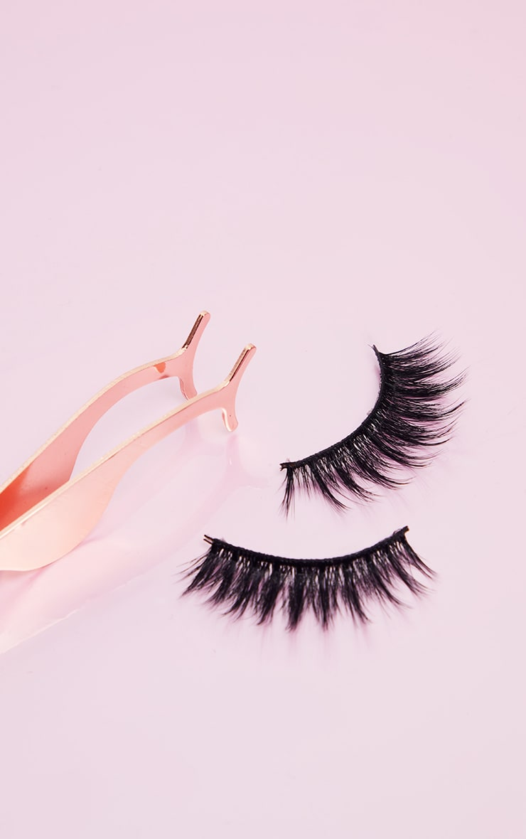 Land of Lashes All I Want For Xmas Is.... Gift Set 4