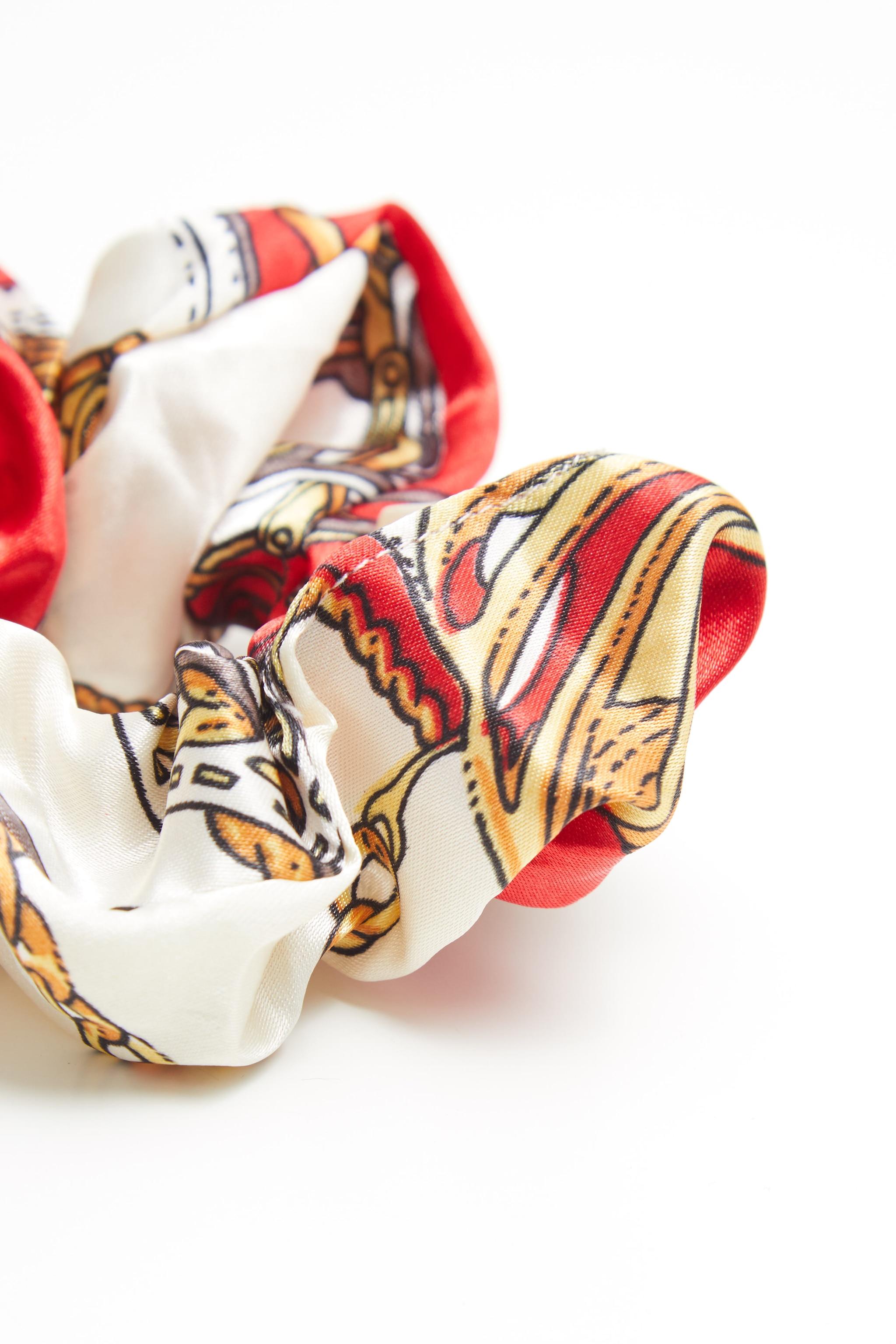 Chouchou satiné à imprimé foulard rouge 2