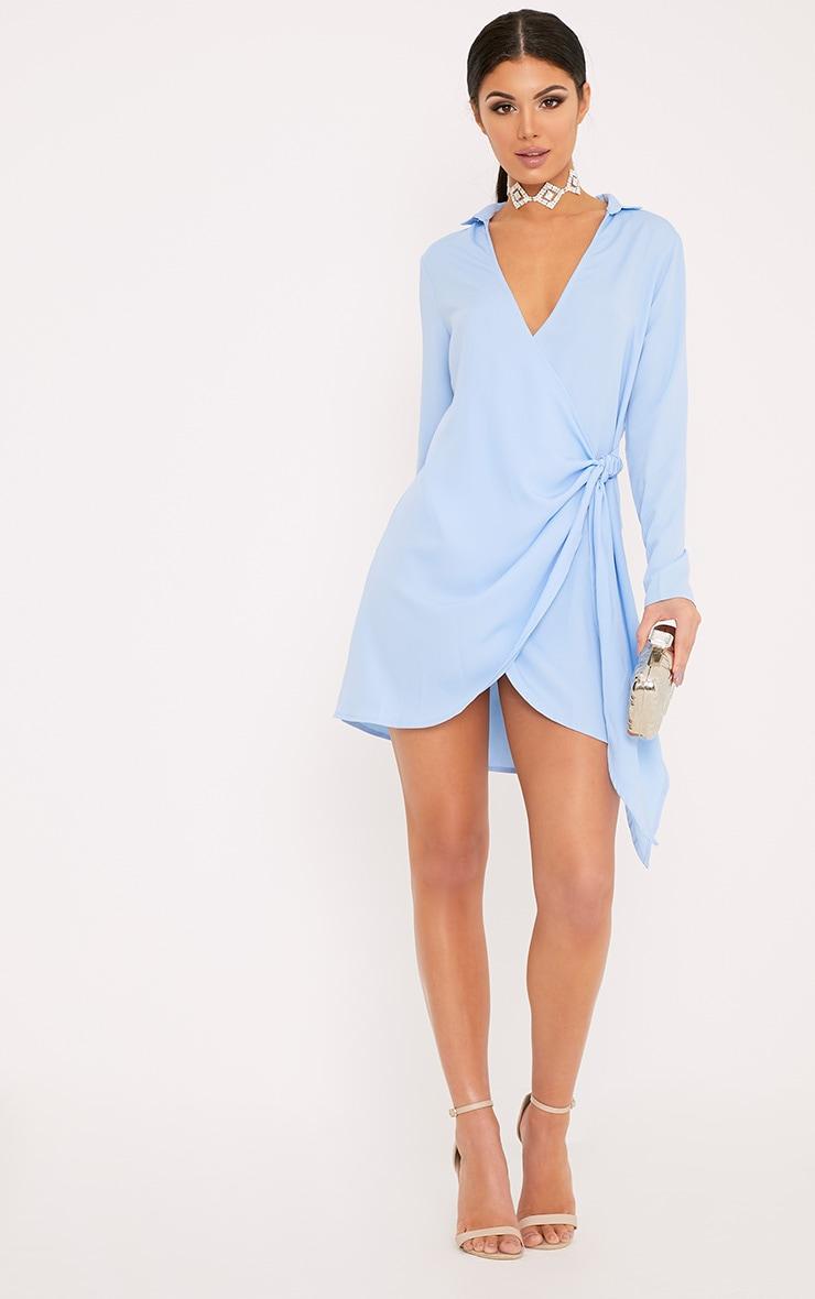 Shaylene robe chemise sans manches bleu poudré en satin à cordon à nouer à la taille 4