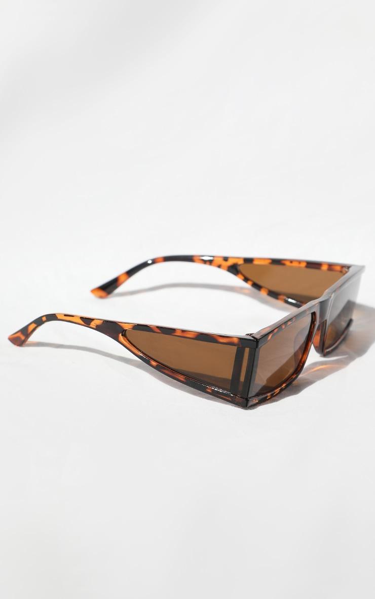 نظارة شمس بلون بني بنقشة صدف وإطار مربع سميك 2