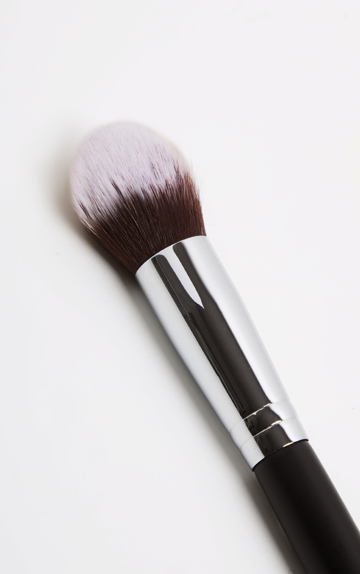 Morphe M536 Under Eye Bullet Brush 2