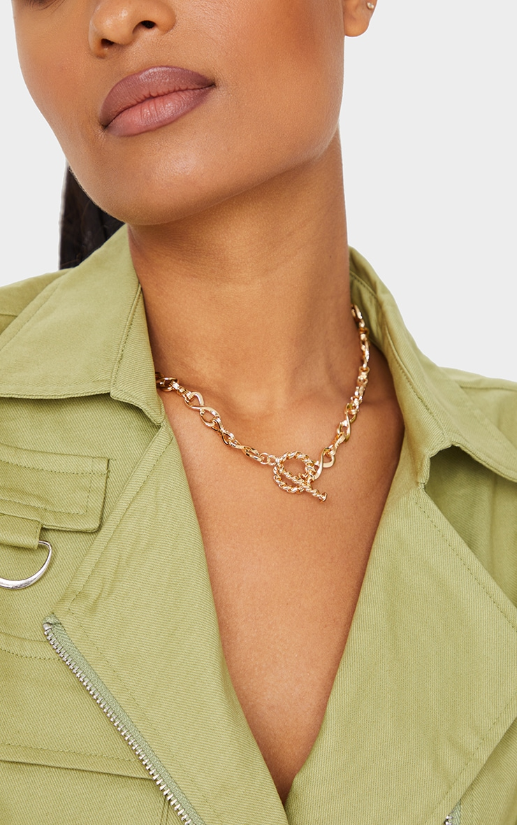 Gold Infinity Chain Short Necklace 2