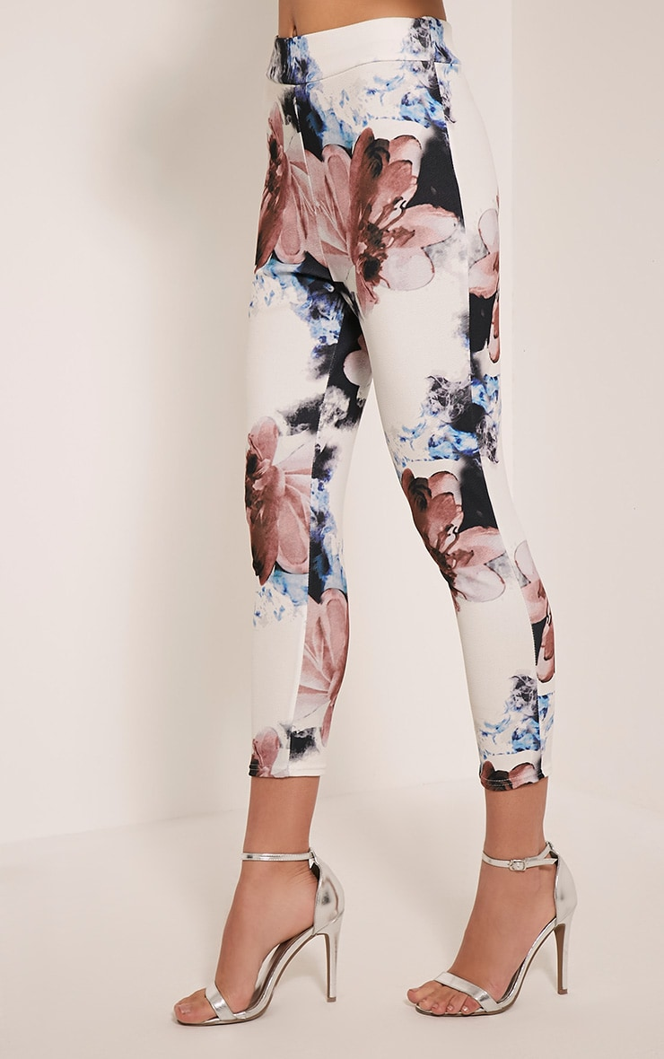Natillia Navy Floral Cropped Trousers 4