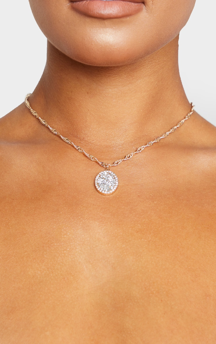Gold Twist Chain Crystal Cluster Oval Charm Necklace 2