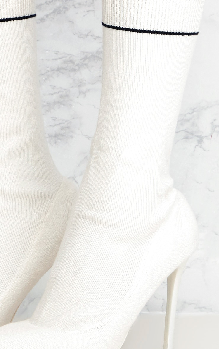 White Contrast Piping Knitted Pointy Sock Boots  5