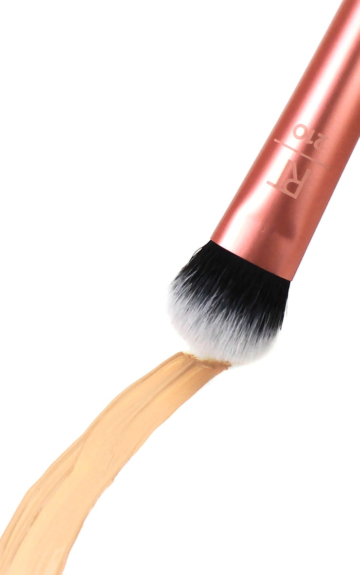 Real Techniques Expert Concealer Brush 3