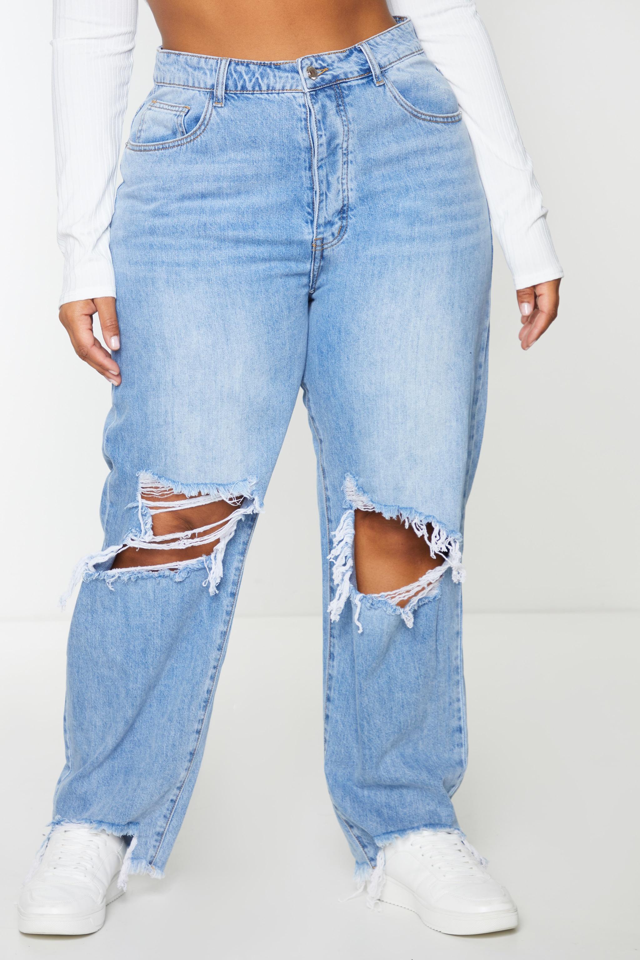 PRETTYLITTLETHING Plus Light Blue Wash Extreme Distressed Hem Boyfriend Jeans 2