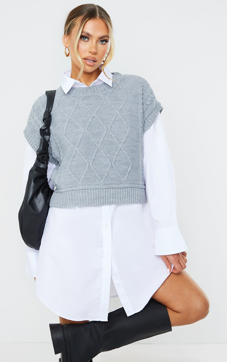 Grey Cable Crop Knitted Vest 1