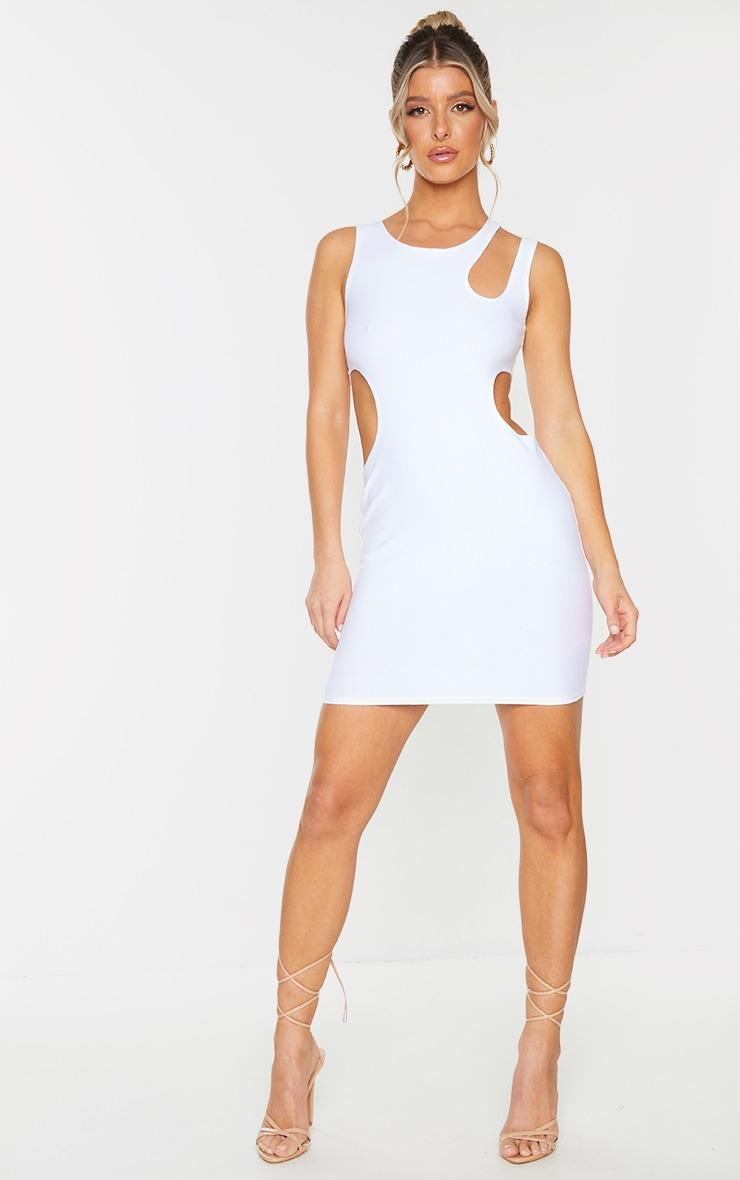 Robe moulante blanche découpée à épaule asymétrique 1