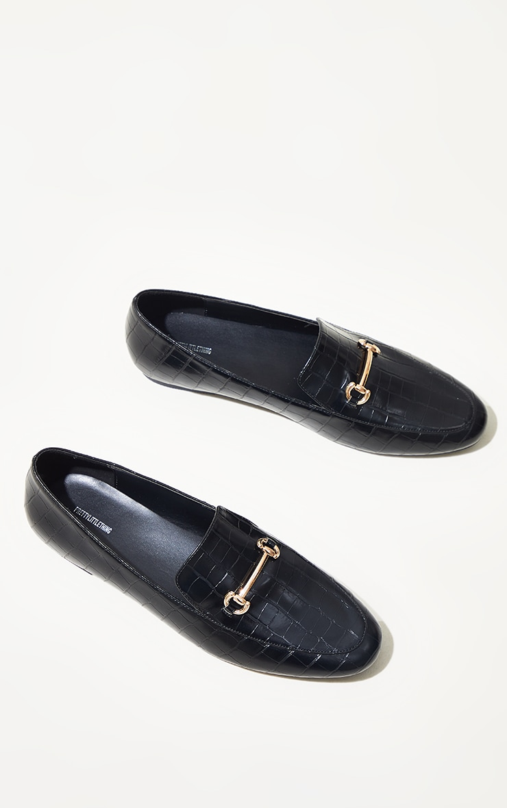 Black Metal Detail Flat Shoes 4
