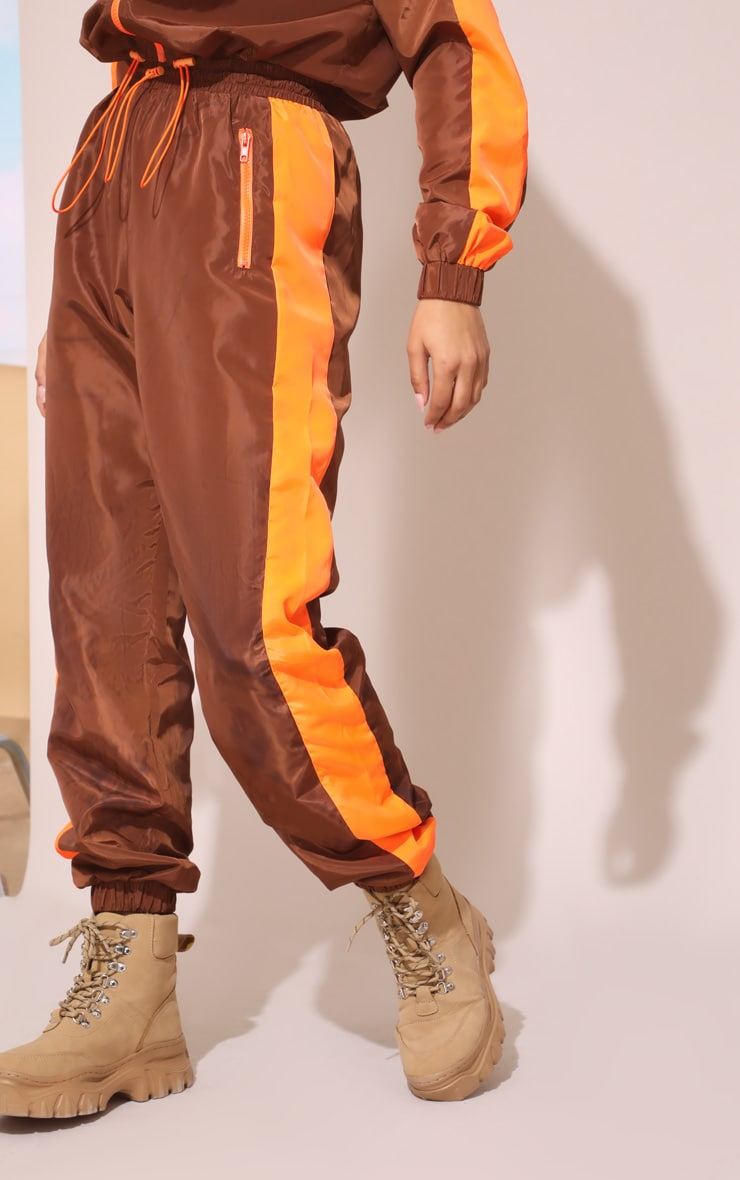 Toffee Panel Shell Joggers 3