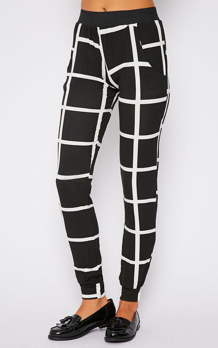 Leah Monochrome Square Print Trousers 4