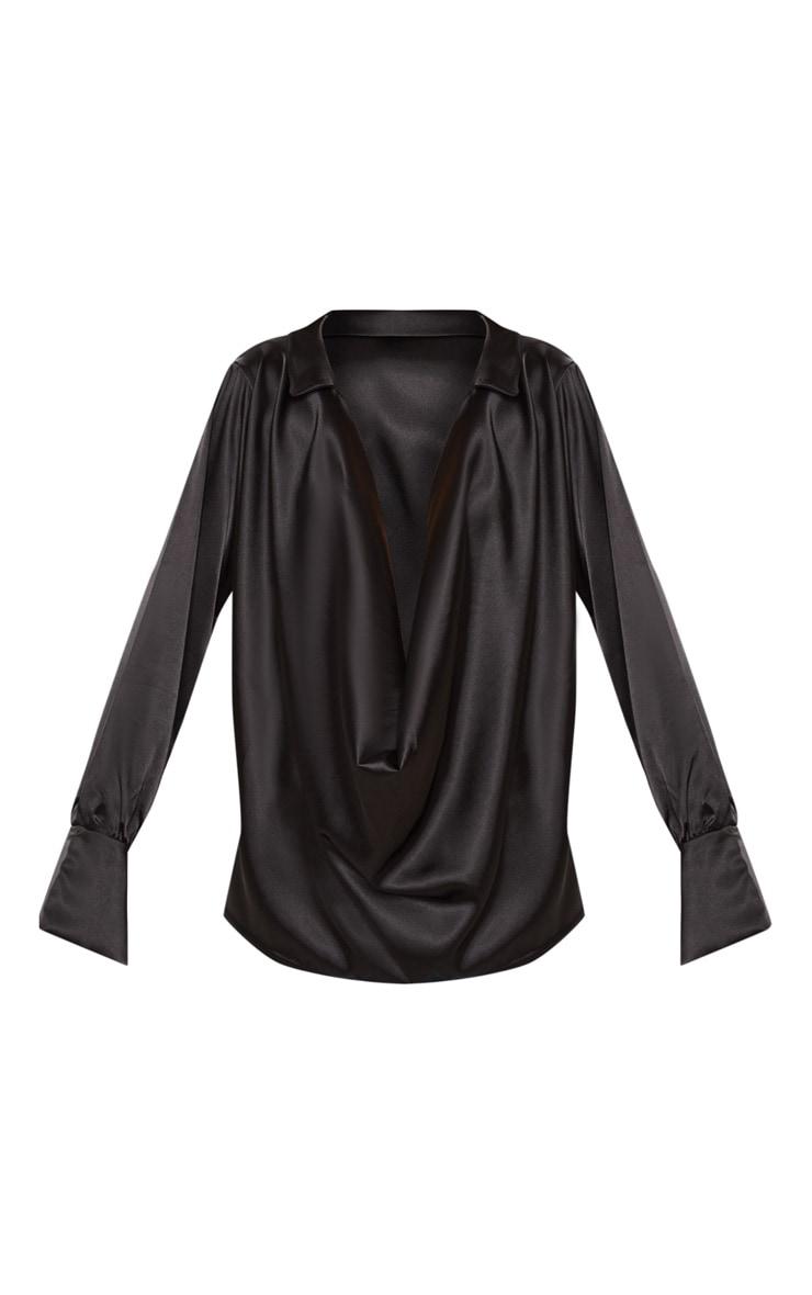 Chemise satinée noire à col écharpe extrême 3