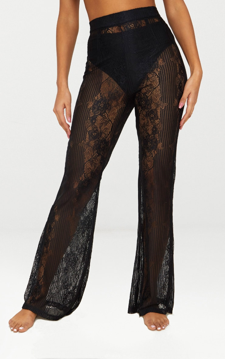 Pantalon flare en dentelle noire 2