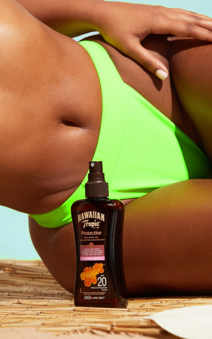 Hawaiian Tropic Protective Dry Spray Oil SPF 20 2