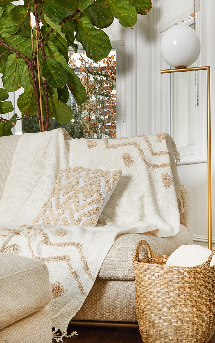 Blanca Tufted Diamond Cushion 2