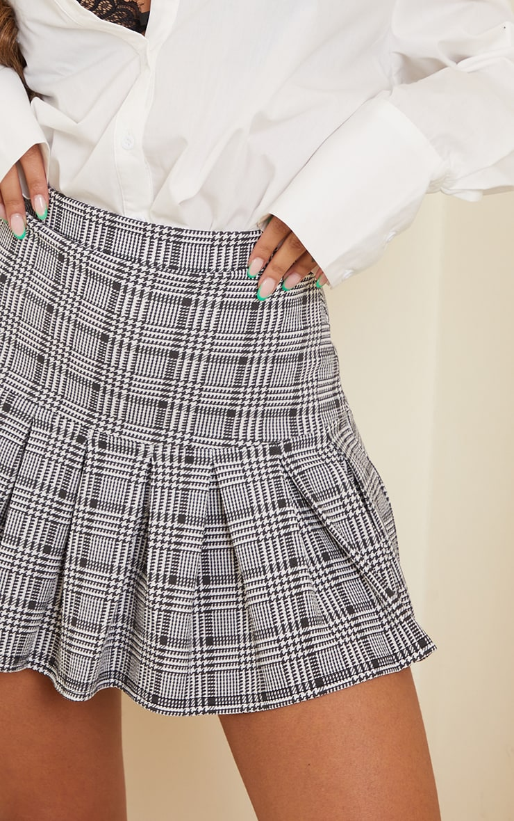 Black Check Pleated Step Hem Mini Skirt 5