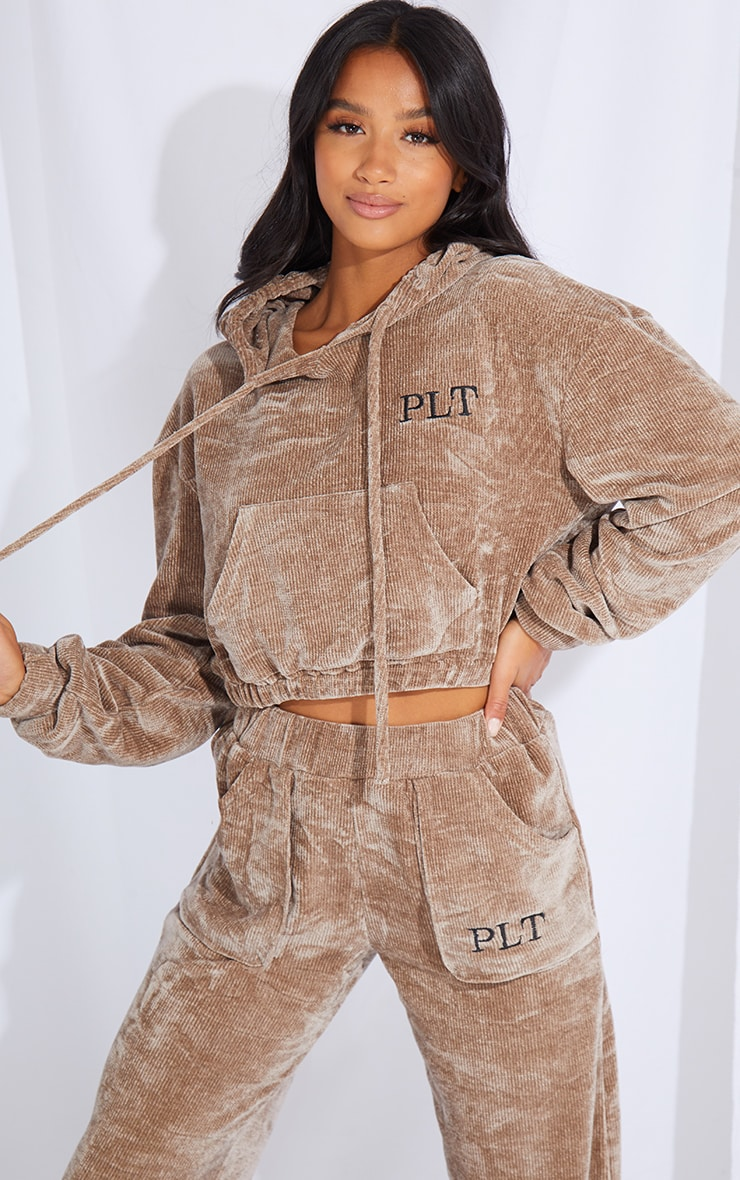 PRETTYLITTLETHING Petite Taupe Cropped Chenille Hoodie 1