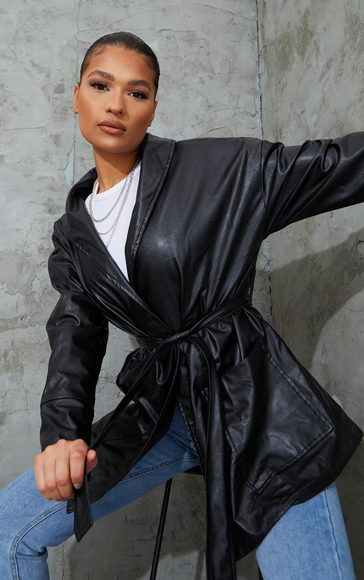 Veste longue en similicuir noir à ceinture 4
