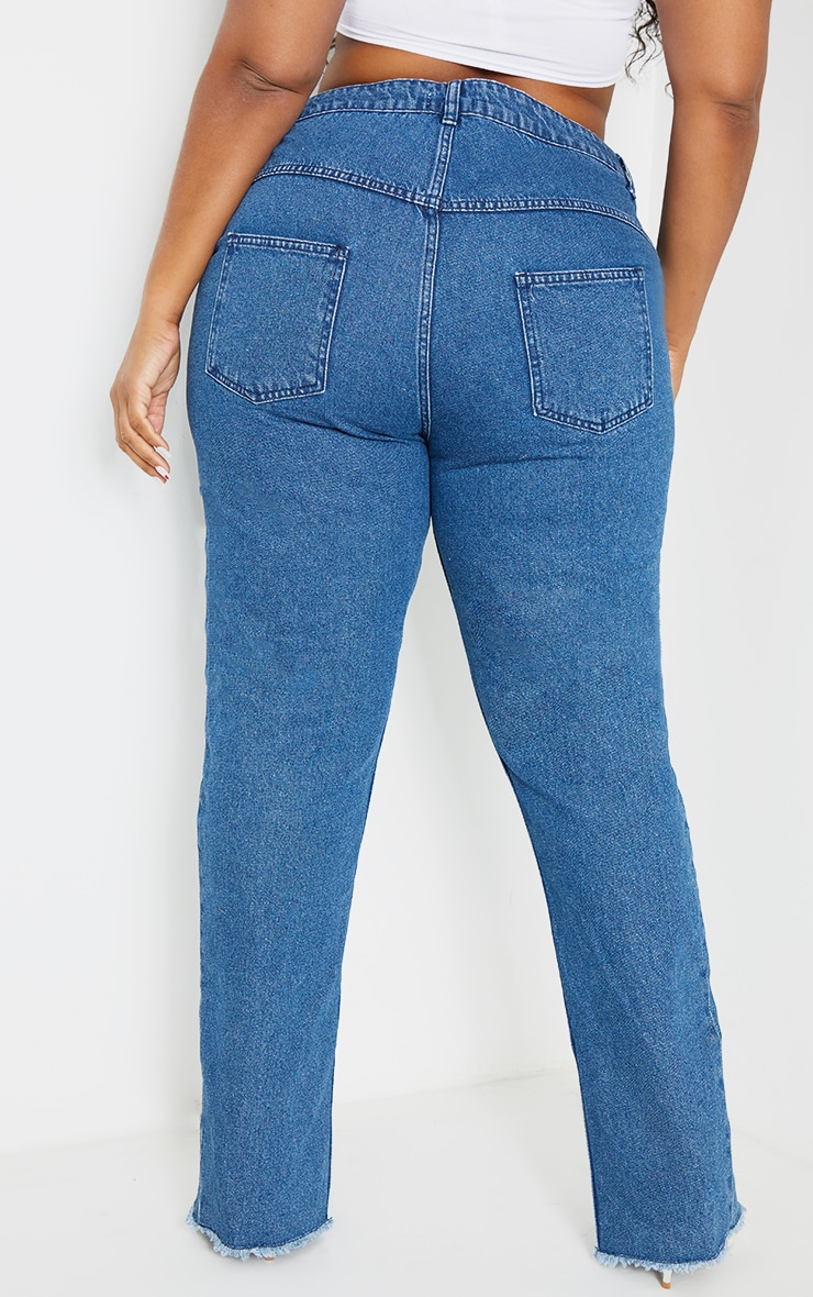 Plus Mid Blue Wash Split Hem Mom Jeans 3