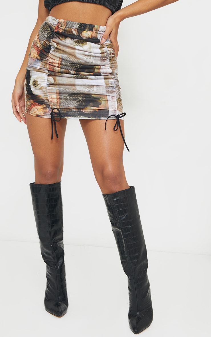Multi Portrait Print Distorted Ruched Detail Mini Skirt 2