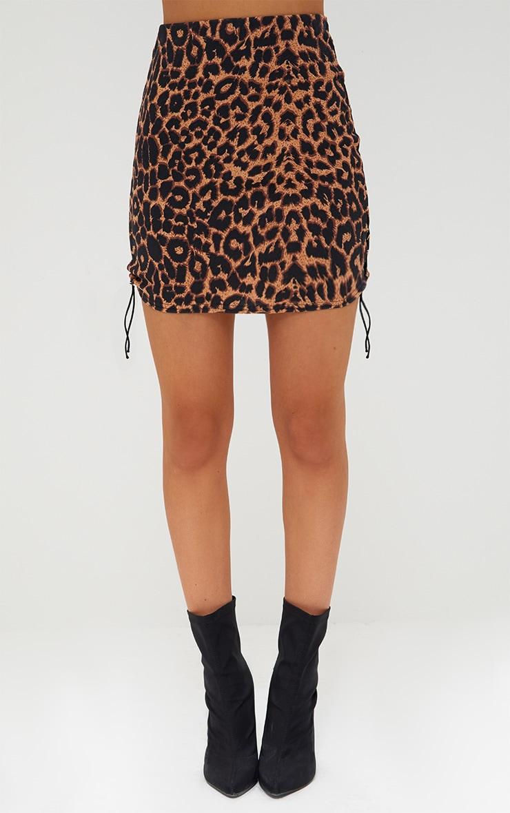 Minijupe brune léopard à lacets sur le côté 2