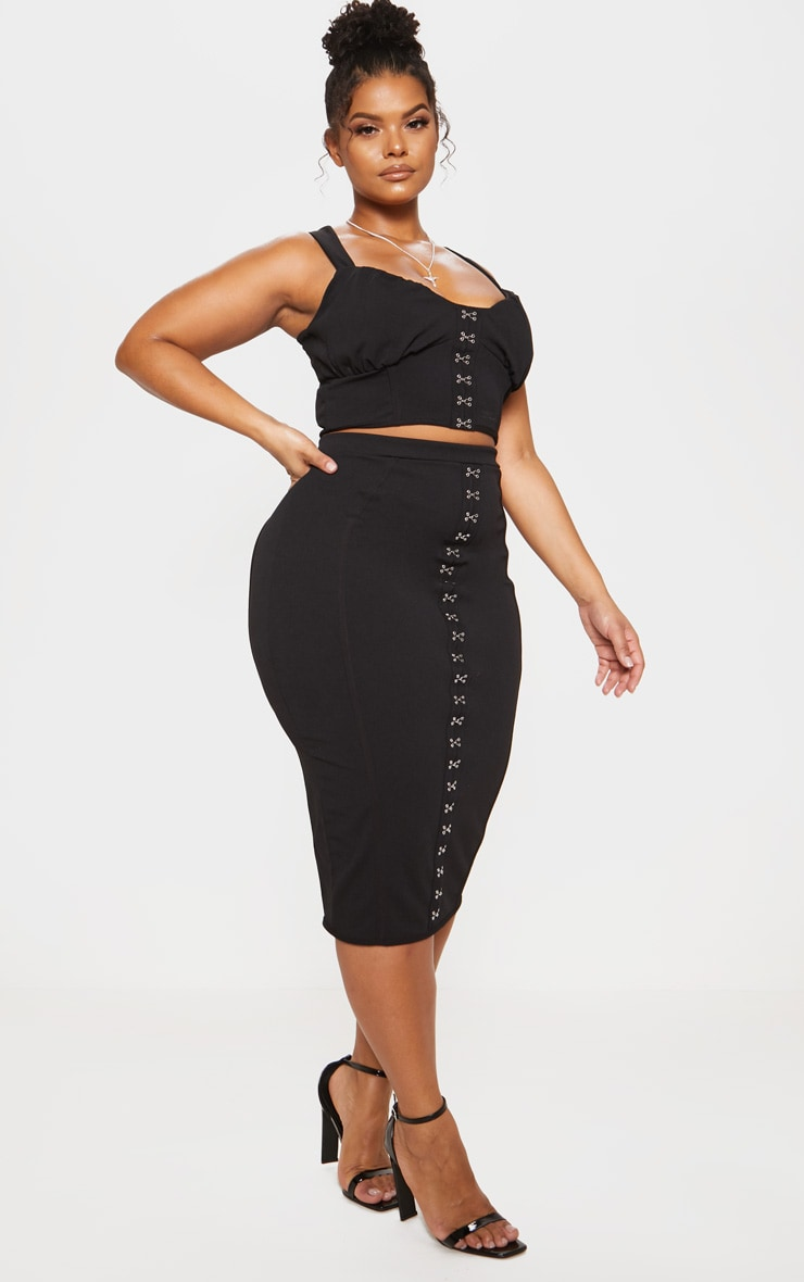 Black Piped Detail Hook & Eye Crop Top 5